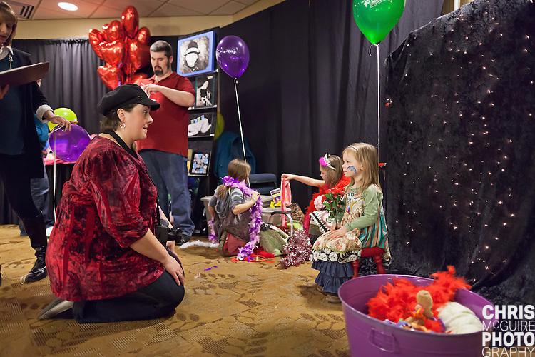 02/12/12 - Kalamazoo, MI: Kalamazoo Baby & Family Expo.  Photo by Chris McGuire.  R#34
