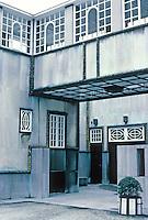 Josef Hoffmann: Palais Stoclet, Brussels. Window detail. Photo '87.