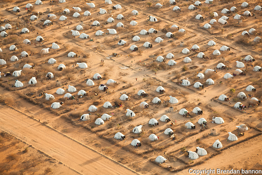 Ifo 2, an extention to the  refugee camp complex in Dadaab, Kenya. The camp was created to give shelter and services to the huge influx of refugees to Dadaab refugee camps from Somalia in 2011. October, 2011. Brendan Bannon/IOM/UNHCR