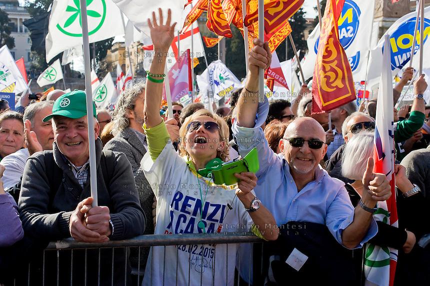 Roma 28 Febbraio 2015<br /> &quot;Renzi a casa!' - Manifestazione della Lega Nord in piazza del Popolo contro il Governo Renzi, e  contro l'Euro. Il popolo della Lega Nord<br /> Rome February 28, 2015<br /> &quot;Renzi at home! '- Demonstration of the Northern League in Piazza del Popolo against the government Renzi, and against the Euro. The people of the Northern League