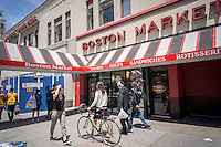 A Boston Market restaurant in New York on Monday, June 13, 2016. The Colorado-based Boston Market announced plans to open up to 30 restaurants in the Middle East with the first store in Kuwaiti opening in 2017. Boston Market has 457 restaurants in the U.S.  (© Richard B. Levine)