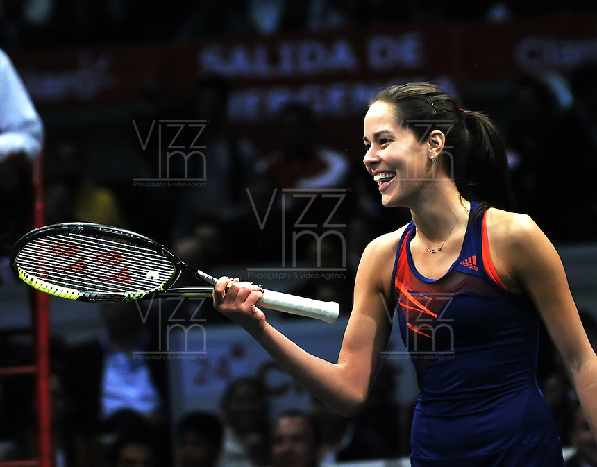 BOGOTA – COLOMBIA-06-12-2013: Ana Ivanovic, tenista de Serbia, gesticula  durante partido de exhibición en el Coliseo El Campin en la ciudad de Bogota. / Ana Jancovic, Serbian Tennis player, gestures  during an exhibition game in the Coliseo El Campin in  Bogota City. / Photo: VizzorImage / Luis Ramirez / Staff.