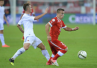 Fussball International  WM Qualifikation 2014   11.09.2012 Schweiz - Albanien Xherdan SHAQIRI (re, Schweiz) am Ball gegen Ansi Agolli (li, Albanien)