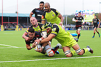 Sean Maitland of Saracens dives for the try-line. Aviva Premiership match, between Saracens and Leicester Tigers on October 29, 2016 at Allianz Park in London, England. Photo by: Patrick Khachfe / JMP