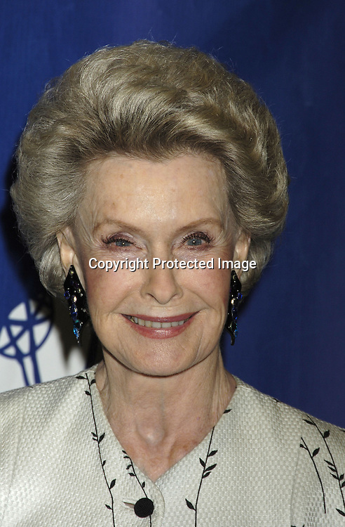 Dina Merrill ..at The National Television Academy Dinner Honoring ...