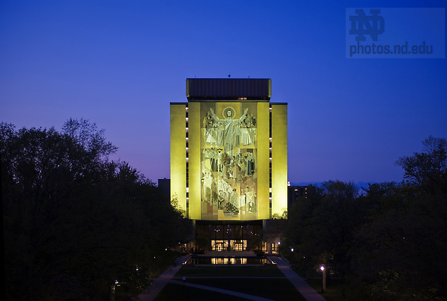 Hesburgh Library and The Word of Life Mural, also known as Touchdown Jesus...Photo by Matt Cashore/University of Notre Dame