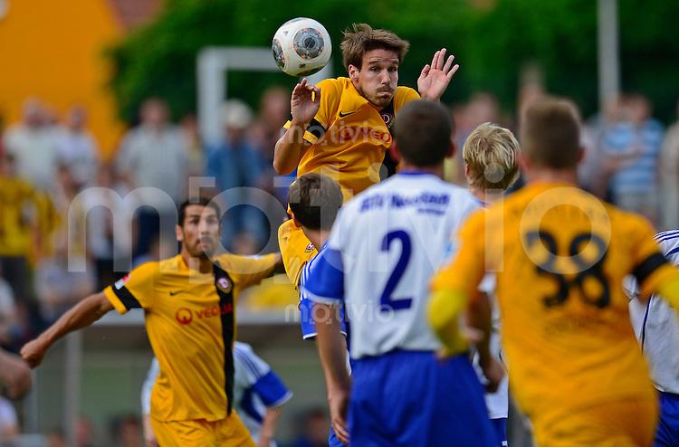 Fussball, 2. Bundesliga, Saison 2013/14, SG Dynamo Dresden, Testspiel, SSV Neustadt/Sachsen - SG Dynamo Dresden, Mittwoch (03.07.13), Neustadt in Sachsen. Dresdens Romain Bregerie.