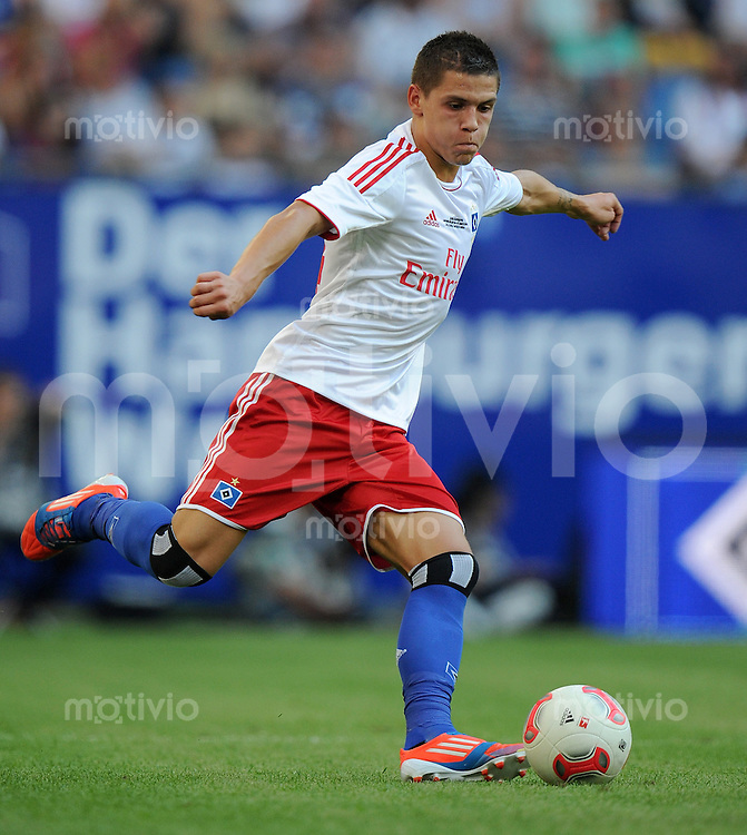 FUSSBALL   1. BUNDESLIGA   SAISON 2012/2013   TESTSPIEL  Hamburger SV - FC Barcelona            24.07.2012 Muhamad Besic (Hamburger SV) Einzelaktion am Ball