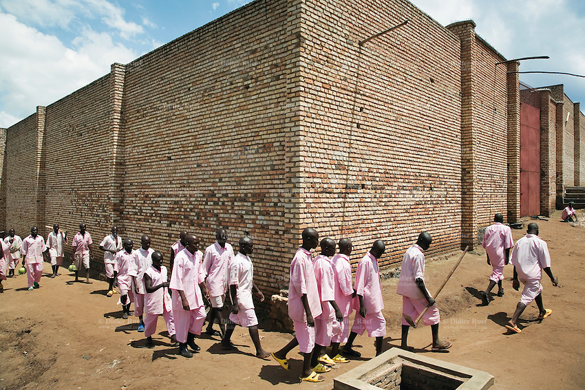 Rwanda. Jail | Didier Ruef | Photography - 416.6KB