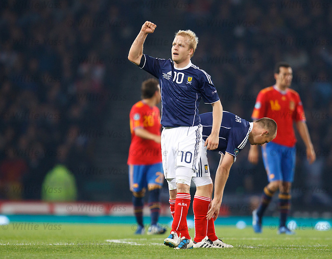 Steven Naismith punches the air after scoring