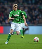 FUSSBALL   1. BUNDESLIGA   SAISON 2012/2013    24. SPIELTAG SV Werder Bremen - FC Augsburg                           02.03.2013 Nils Petersen (SV Werder Bremen) Einzelaktion am Ball