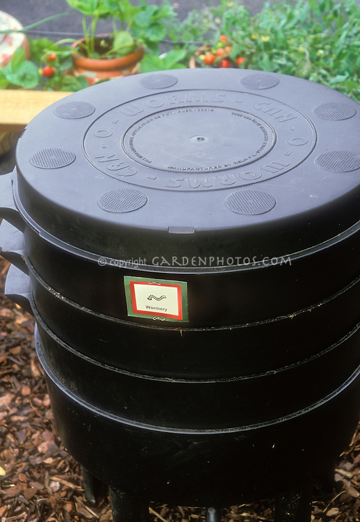 Worm compost bin for vermicomposting, plastic with sections and sign label
