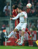 FUSSBALL   1. BUNDESLIGA  SAISON 2012/2013   9. Spieltag FC Bayern Muenchen - Bayer 04 Leverkusen    28.10.2012 David Alaba (li, FC Bayern Muenchen) gegen Daniel Carvajal (Bayer 04 Leverkusen)