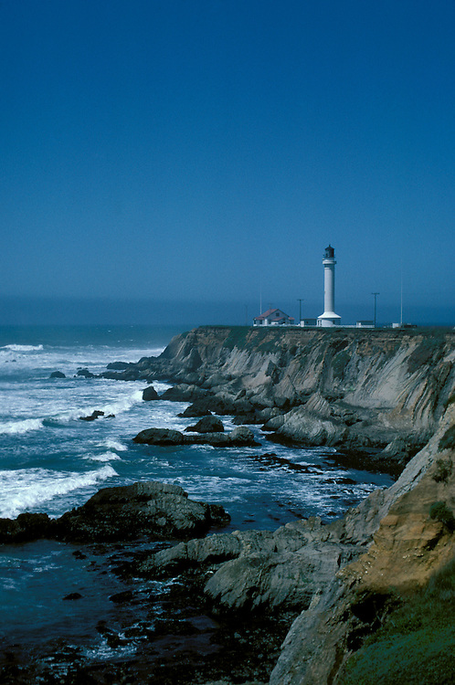CA: California Coast, Point Arena lighthouse, 2005 .Image: captarena201.Photo Copyright: Lee Foster, lee@fostertravel.com, www.fostertravel.com, (510) 549-2202..