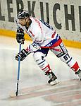 Eishockey, DEL, Deutsche Eishockey Liga 2003/2004 , 1.Bundesliga Arena Nuernberg (Germany) Nuernberg Ice Tigers - Iserlohn Roosters (7:2) Liam Garvey (IceTigers) am Puck