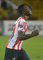 CARTAGENA-COLOMBIA, 17-02-2017. Robinson Aponza jugador del Junior celebra su gol contra Atlético Tucumán  durante encuentro  por la Copa Libertadores de América  disputado en el estadio Jaime  Morón  ./ Robinson Aponza player of Junior  celebrates his goal agaisnt  Atletico  Tucuman during match for the date 3 of Copa Libertadores de America played at Jaime Moron stadium . Photo:VizzorImage / Alfonso Cervantes  / Contribuidor