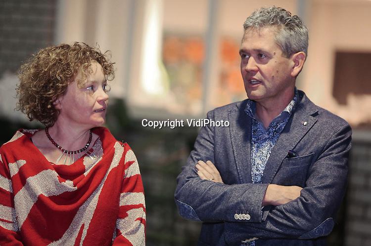 Foto: VidiPhoto<br /> <br /> HELMOND - Kerstbijeenkomst van het vakblad Boom-in-Business bij Legro Potgrond in Helmond. Thema was &quot;Terug naar de stal&quot;, met aandacht voor ouderwetse familiewaarden als kleinschaligheid en hard werken. Boom-in-Business is een blad van uitgever NWST uit Nijmegen.