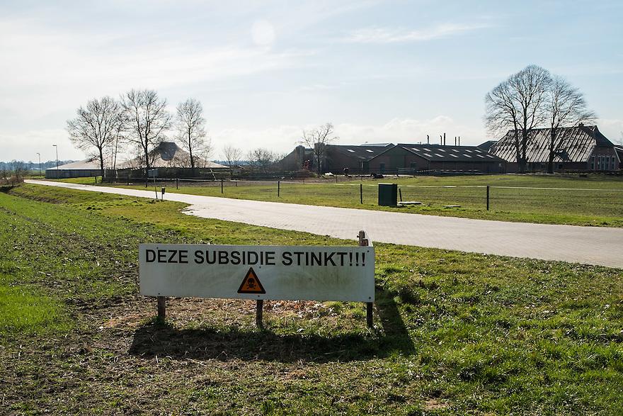 Nederland, Omgev. Almelo, 4 maart 2014<br /> Protest tegen stankoverlast van biogasinstallatie.<br /> <br /> Foto(c): Michiel Wijnbergh