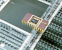24 PIN MICROPROCESSOR IC CHIP<br /> A Central Processing Unit On A Single Chip<br /> A microchip or integrated circuit contains many thousands of electronic components squeezed into a thin sliver of silicon less than 0.4 inch (1 cm) square. The microchip is set in a plastic base &amp; connected to 2 rows of pins which conduct electricity.