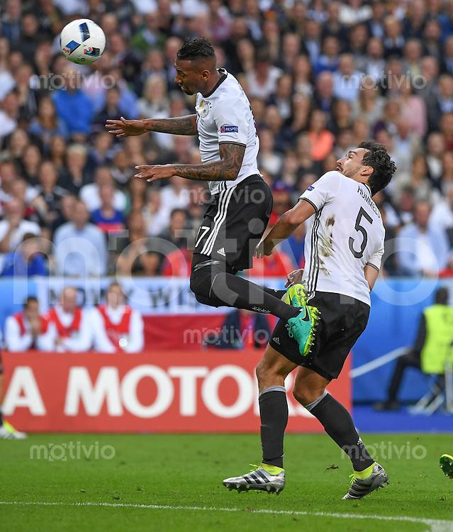 FUSSBALL EURO 2016 GRUPPE C IN PARIS Deutschland - Polen    16.06.2016 Jerome Boateng (li) und Mats Hummels (re, beide Deutschland) sichern