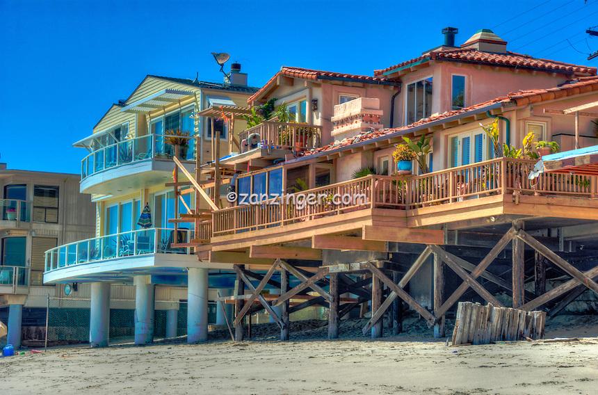 Malibu beach ca malibu road homes colorful luxury for Beach homes on stilts