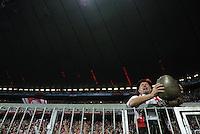 FUSSBALL   CHAMPIONS LEAGUE   SAISON 2011/2012     27.09.2011 FC Bayern Muenchen - Manchester City FC Bayern Fan in Tracht und Kuhglocke in der  Allianz-Arena Muenchen