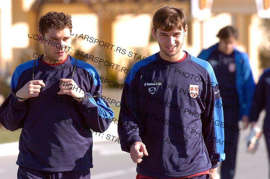Sport Fudbal Reprezentacija Srbija Soccer Srbia National Ream Trening Training Dusko Tosic i Branislav Ivanovic 7.2.2007. Photo: Pedja Milosavljevic