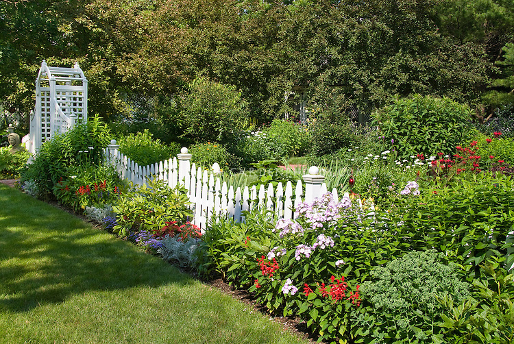 pics for beautiful garden fence