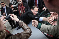 François Hollande, candidat du Parti socialiste à la présidentielle 2012, en campagne à Moulins. Vendredi 13 avril 2012 - 2012©Jean-Claude Coutausse / french-politics pour Le Monde