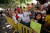 Fans show their support for television and radio host Glenn Beck, Wednesday, April 15, 2009, at the Alamo in San Antonio. (Darren Abate/pressphotointl.com)
