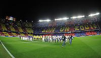 FUSSBALL  CHAMPIONS LEAGUE  ACHTELFINALE  RUECKSPIEL  2012/2013      FC Barcelona  - AC Mailand      13.03.2013 Stadionuebersicht im Camp Nou mit dem beiden Teams vor dem Spiel