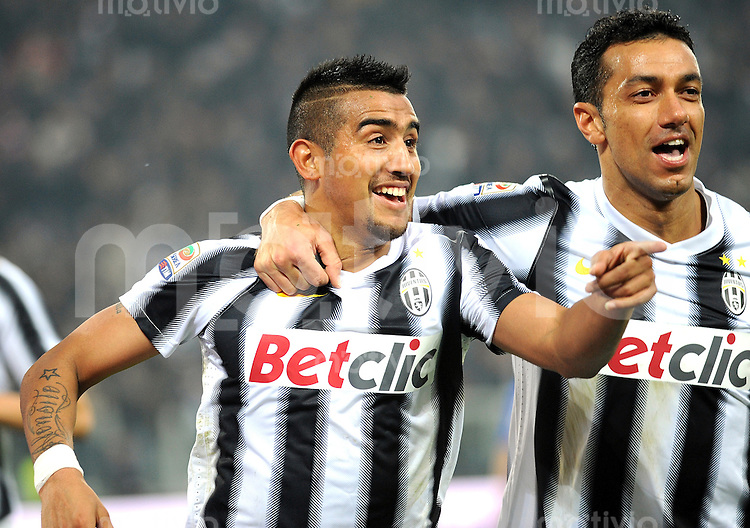 FUSSBALL INTERNATIONAL   SERIE A   SAISON 2011/2012    Juventus Turin - AC Cesena 04.12.2011 JUBEL Arturo Erasmo Pardo Vidal, Fabio Quagliarella (v. li., Juventus Turin)