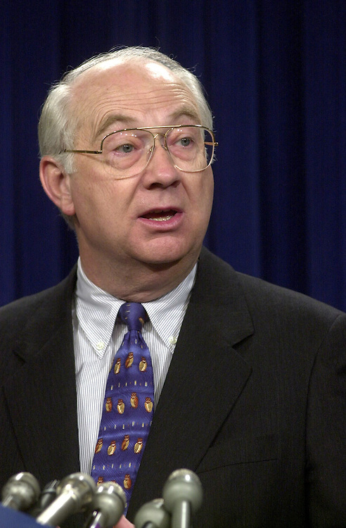 Gramm012301 --   Sen. Phil Gramm, R-TX, speaks on national security and foreign policy.