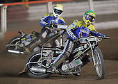 Heat 7 - Dean Barker (yellow), David Norris - Arena Essex Hammers vs Eastbourne Eagles - Sky Sports Elite League 'B' - 04/10/2006 - MANDATORY CREDIT: Gavin Ellis/TGSPHOTO