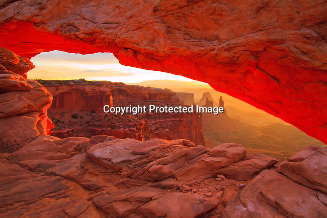 Mesa Arch Sunrise Canyonlands National Park outside Moab, Utah.- 3/13/2010<br /> Jim Urquhart/Straylighteffect.com