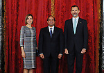Spain's King Felipe VI (R) and his wife Queen Letizia (L) pose with Egyptian President Abdel Fattah al-Sisi at the Royal Palace in Madrid on April 30, 2015. Photo by Egyptian Presidency