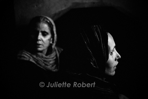 Women in Khudhalem, north Kashmir