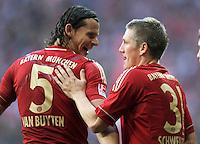FUSSBALL   1. BUNDESLIGA  SAISON 2011/2012   11. Spieltag FC Bayern Muenchen - FC Nuernberg        29.10.2011 JUBEL nach dem Tor ,  Daniel van Buyten , Bastian Schweinsteiger (v. li. FC Bayern Muenchen)