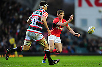 Owen Farrell of Saracens passes the ball. Aviva Premiership match, between Leicester Tigers and Saracens on January 1, 2017 at Welford Road in Leicester, England. Photo by: Patrick Khachfe / JMP