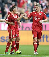 FUSSBALL   1. BUNDESLIGA  SAISON 2011/2012   11. Spieltag FC Bayern Muenchen - FC Nuernberg        29.10.2011 Jubel nach dem Tor zum 3:0,  Franck Ribery , Toni Kroos (v. li., FC Bayern Muenchen)