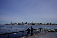 People watch ice along the hudson river during low temperatures in New York. 16.02.2015. Eduardo Munoz Alvarez/VIEWpress.