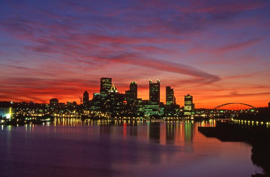 Pittsburgh, PA, Skyline, Sunrise, Ohio River, Golden Triangle, Three rivers
