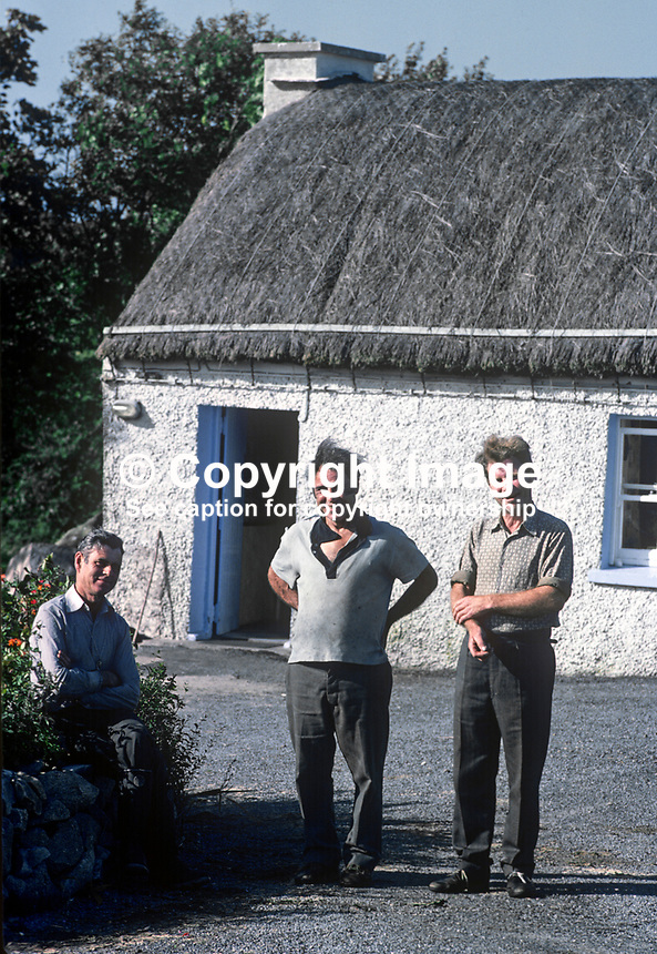 Home weavers outside their &quot;factory&quot; in Ardara, Co Donegal, Rep of Ireland. 197809000246d.<br />