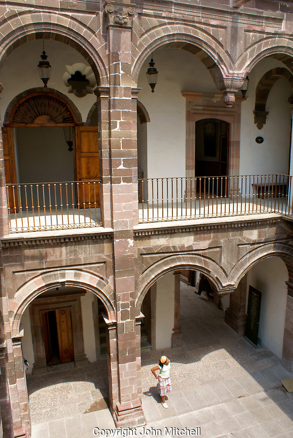 Interior courtyard of the Casa Allende or Museo Historico de San Miguel de Allende in San Miguel de Allende, Mexico. San Miguel de Allende is a UNESCO World Heritage Site....