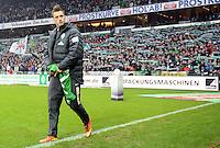FUSSBALL   1. BUNDESLIGA   SAISON 2012/2013    22. SPIELTAG SV Werder Bremen - SC Freiburg                                16.02.2013 Marko Arnautovic (SV Werder Bremen) auf den Weg zur Ersatzbank