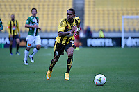 Kenny Cunningham in action during the A League - Wellington Phoenix v Newcastle Jets Game at Westpac Stadium, Wellington, New Zealand on Sunday 26 October 2014. <br /> Photo by Masanori Udagawa. <br /> www.photowellington.photoshelter.com.
