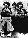 Iran 1914.<br /> Left, Mohammed Beg,son of  Aziz Beg Nobahar, Aziz Khan Aajaan,  (center) , his nephew and right, Karim Khan Bane.<br /> Iran 1914.<br /> A gauche, Mohammed Beg, fils de Aziz Beg Nobahar, au centre, son neveu, Aziz Khan Aajaan et a droite, Karim Khan Bane
