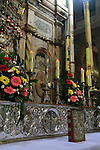 Israel, Jerusalem, the Catholic altar in front of the Edicule at the Church of the Holy Sepulchre on Easter Sunday