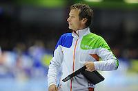 SCHAATSEN: HEERENVEEN: 26-10-2013, IJsstadion Thialf, NK afstanden, Erik Bouwman (trainer/coach Jong Oranje), ©foto Martin de Jong