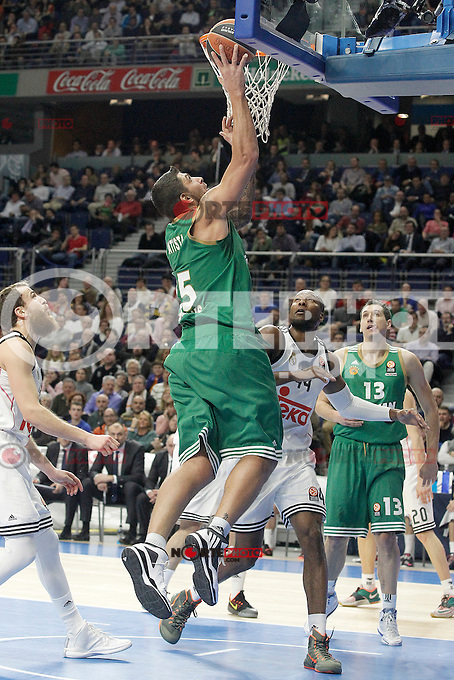 Real Madrid's Marcus Slaughter (r) and Panathinaikos Athens' Esteban Batista during Euroleague match.January 22,2015. (ALTERPHOTOS/Acero) /NortePhoto<br />